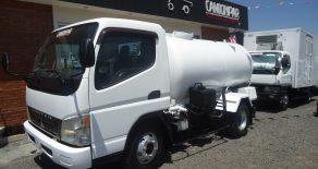 Mitsubishi Canter Tanque de Agua